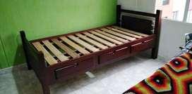 Camarote Litera en madera con 3 cajones cada cama, escalera y baranda.