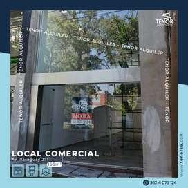 OPORTUNIDAD en Av Paraguay 271, local comercial a estrenar de 130 m2 cubiertos en excelente ubicación