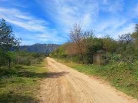 Excepcional lote de 2,4 hectareas con acequias y vista a las sierras!!!