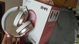 Audífonos totalmente flamante