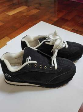 Zapatillas NUEVAS de gamuza N 38