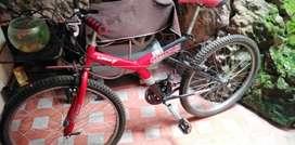 Bicicleta todo terreno con cambios shimano