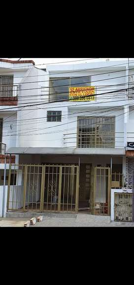 CASA CON LOCAL ACREDITADO CERCA A MEDSALUD