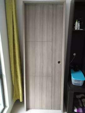 Hermosa puerta para apartamento Nueva