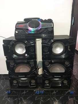 se vende equipo de sonido en muy buen estado
