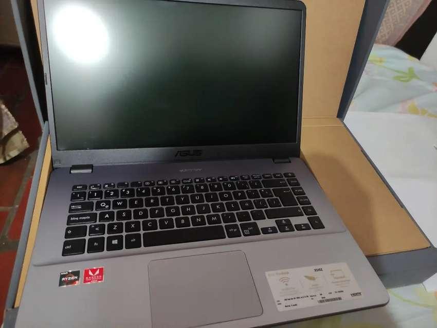 Asus VivoBook X505Z de 15,6 Pulgadas