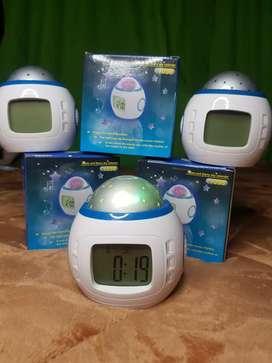 Reloj digital proyector de luces para niños