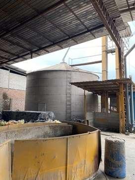 vendo silo de almacenamiento de Grano