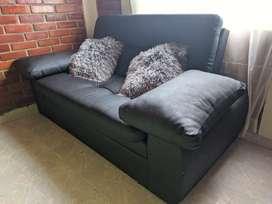 COMBO|Sofá/Cama grande y mueble para equipo de sonido