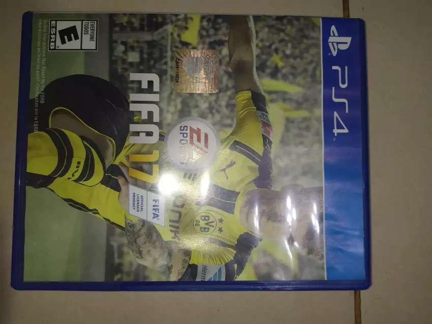Vendo juego de PS4 fifa 17 0