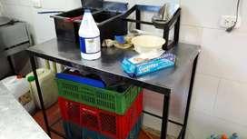 Mesa en aluminio para cocina o restaurante