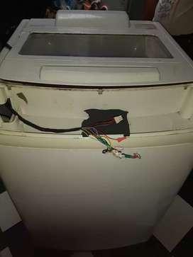 Se realiza servicio de mantenimiento y arreglo de lavadoras a domicilio