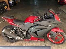2010 Kawasaki EX250 Ninja Roja