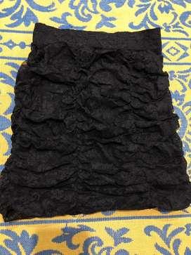 Falda negra encaje talla standard