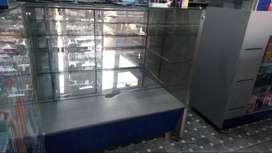 Vitrinas Super Oferta usadas en perfecto estado, juego de vitrinas 2 de exhibición, 1 caja registradora y 1  exhibición
