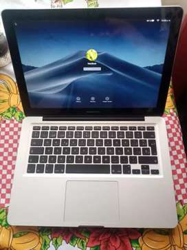Vendo macbook pro finales del 2012, i5, 250ssd, 8gb de ram, 600 ciclos como nuevo sin golpes ni rayones.