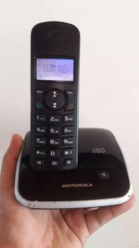 Motorola de pantalla color azul con altavoz
