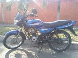 Se vende moto BAJAJ BOXER CT100 en buen estado.