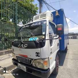 Camión con equipo frío