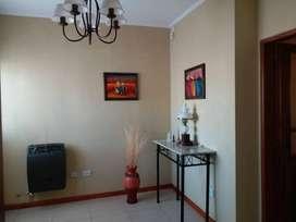 Vendo Casa , excelente ubicación , zona Urquiza y Alberdi . 230 m2 cubiertos. Parque ,pileta ...