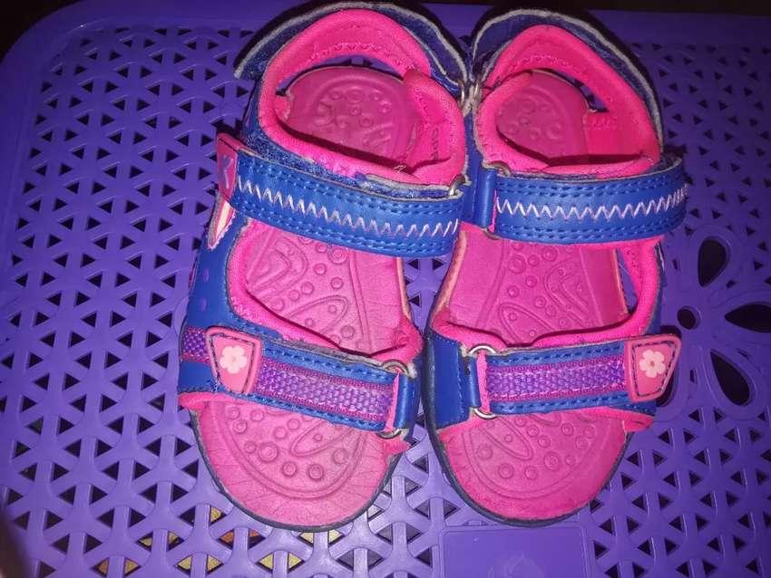 Sandalias talla 24 con luces 0