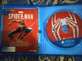 Se vende juego de spiderman para ps4