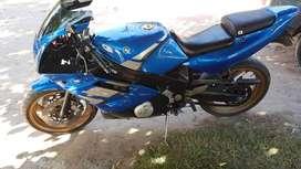 Moto Yamaha FZR 600 modelo 1993