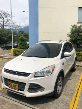 Ford escape 2013 blanca placas Bucaramanga