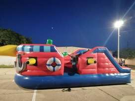 Se venden inflables junto con trampolines