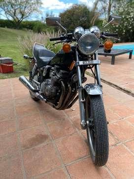 Yamaha maxim 550