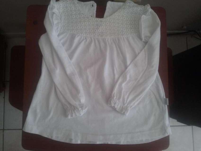 Blusa de algodon con broderie  250 0