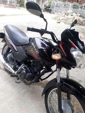 Se vende Moto como nueva, poco uso