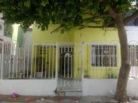 Venta de casa de 2 pisos  en Soledad 2000