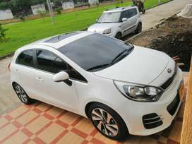 Kia Río space R hatchback blanco 2016, 1400cc16
