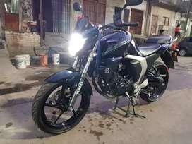 Vendo moto fz fi inyección 130000
