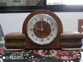 VENDO RELOJ de mesa antiguo a cuerda