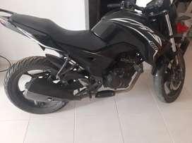 Se vende moto cr5 180