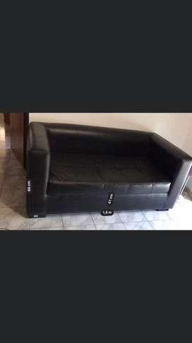 Sofá de 2 cuerpos.
