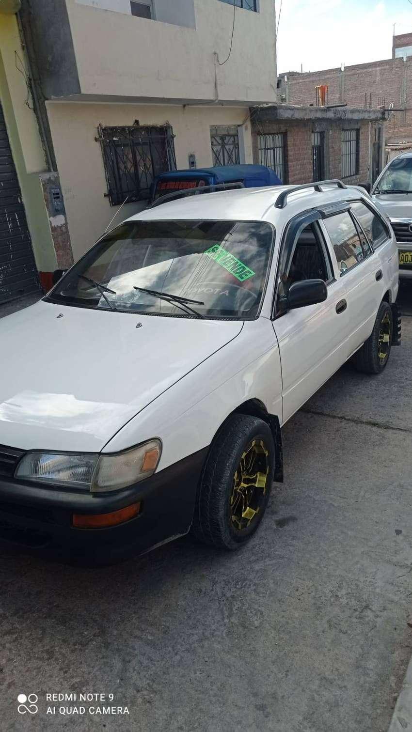 Vendo mi Toyota Corolla
