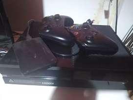 Xbox one 500 GB 2 joysticks