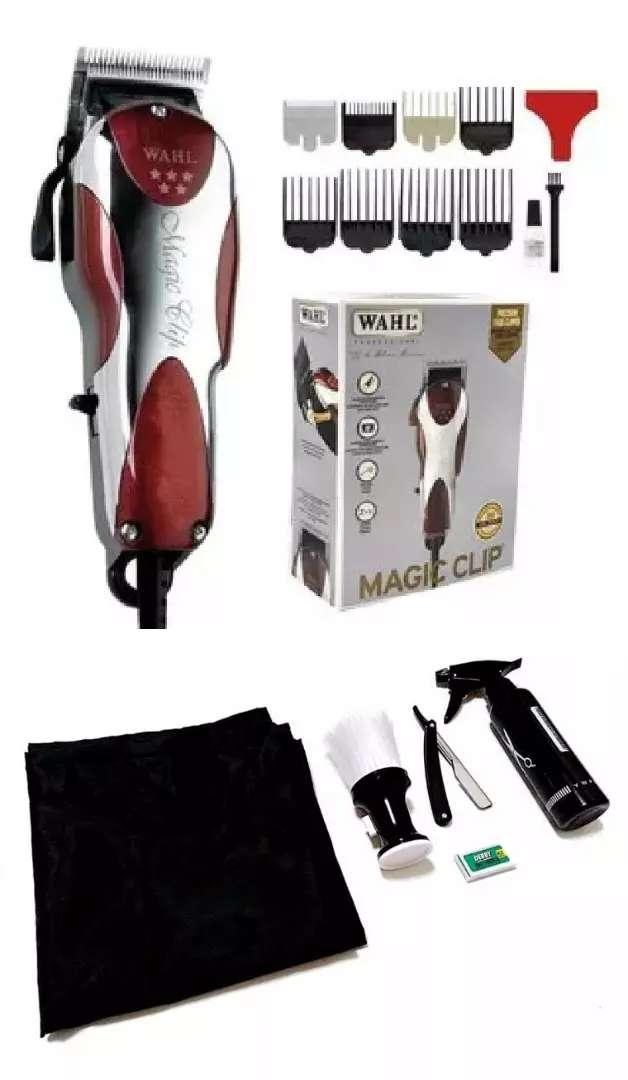 Maquina Wahl Magic Clip 220v Motor V5000 con accesorios adicionales