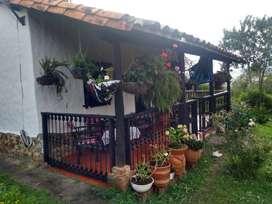 Hermosa Casa de campo en Curití. Lote - Terreno de 1500 m2. Casa de descanso ideal para vacaciones. Gran oportunidad