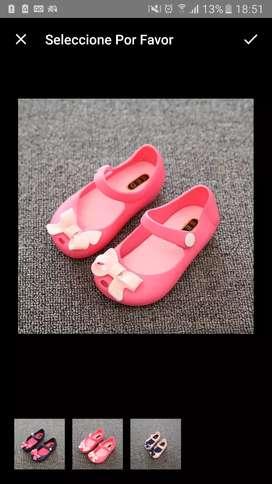 Zapatos par niña talla 26