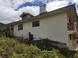de oportunidad venta de casa con terreno grande 2000 mts  Ubicado en Ricaurte sector Sidcay a 20 min de cuenca,3 frentes