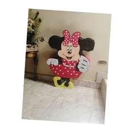 Hermosa piñata de minnie en promocion