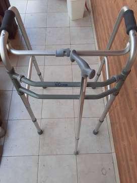 Andador Ortopédico + Bastón (muy poco uso)