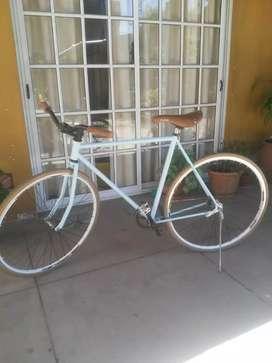 Se venden bicicletas...juntas o por separado