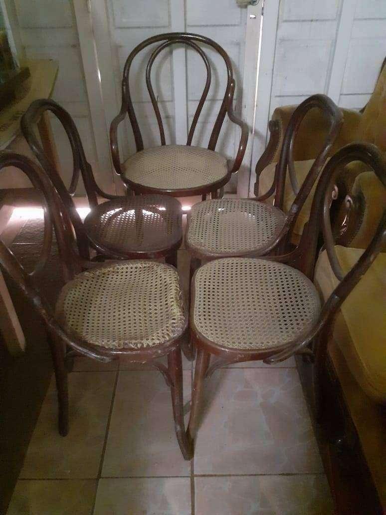 Juego de sillas y sillón de viena con ratan original 0