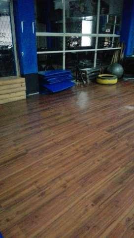 piso laminado decorativo madera  para pista flotante baile o similar