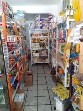 Vendo tienda tipo bodega en el centro de malacatos tiempo funcionamiento  2 años